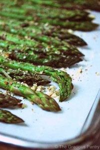 Clean Eating Baked Almond Asparagus ~ http://www.thegraciouspantry.com