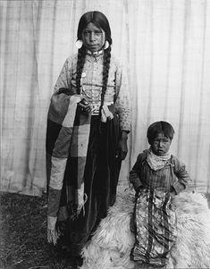"1906 Nez Perce Nimiipu native maiden and child called ""blanket children.""  Photo taken by E.H. Latham in Pendleton, Oregon."