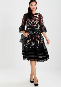 ¡Consigue este tipo de vestido por la rodilla de Frock And Frill ahora! Haz  clic para ver los detalles. Envíos gratis a toda España. 4c59a73cdbc