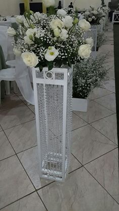 1 million+ Stunning Free Images to Use Anywhere Wedding Isle Decorations, Rustic Wedding Centerpieces, Wedding Table Settings, Crystal Room Decor, Wedding Pillars, Islamic Wall Decor, Wall Hanging Shelves, Wine Glass Crafts, Flower Stands