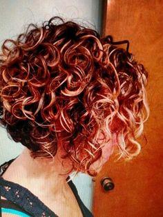 Ideas populares del corte de pelo corto para el pelo rizado