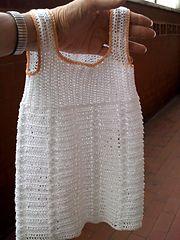 Ravelry: Confetti dress pattern by Lia Govers.. Free pattern!