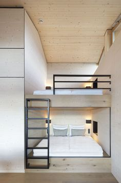 Alpine Chalets by Landau+Kindelbacher Architekten Innenarchitekten is part of - With the opening of the Alpine chalets, the hotel DAS TEGERNSEE has expanded its diverse range with a new format Home Bedroom, Bedroom Decor, Bedroom Apartment, Apartment Ideas, Bedroom Ideas, Bunk Bed Rooms, Modern Bunk Beds, Bunk Bed Designs, Modern Bedroom Design