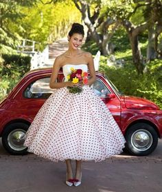 La novia pin up - falda lunares rojos