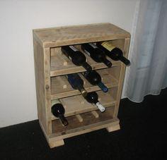 Mooie steigerhouten wijnrek. Verkrijgbaar in verschillende maten. Dit steigerhouten wijnrek is een aanwinst voor de horeca. Levering binnen twee weken!