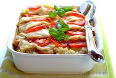 Zapiekanka z kurczakiem, mozarellą i pomidorami - przepis z portalu przepisy.pl