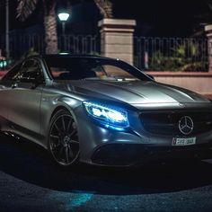 Mercedes-Benz S 63 AMG Coupé (Instagram @themaverique)