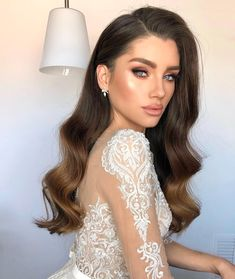 Loose curls for long hair frisuren haare hair hair long hair short Romantic Wedding Hair, Wedding Hair Down, Magical Wedding, Wedding Gowns, Bridal Hair Down, Wavy Bridal Hair, Wedding Hairstyles For Long Hair, Evening Hairstyles, Wedding Curls