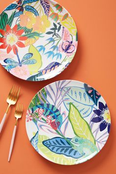 Tropical Melamine Dinner Plate by Anthropologie in Assorted, Dinnerware Pottery Painting, Painted Pottery, Tropical Art, Cooking Gadgets, Kitchen Collection, Porcelain Ceramics, Ceramics Tile, Carnival Glass, Teller