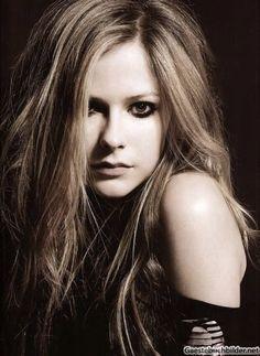 Avril Lavigne - tousled