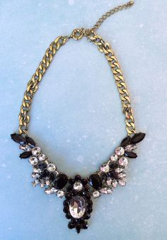 Black crystal acrylic statement necklace.. NEW!!