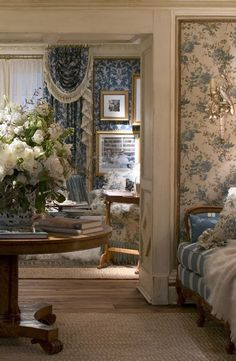 29 Ideas Bedroom Blue And White French Country Fabrics French Country Fabric, English Country Style, French Country Bedrooms, Blue Rooms, White Rooms, Blue Bedroom, Bedroom Office, Trendy Bedroom, French Decor