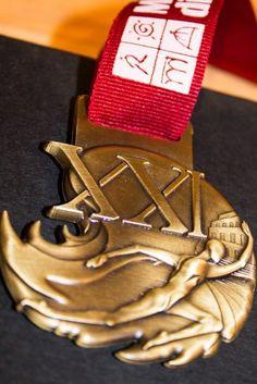Maratona di Roma, presentata la medaglia dell 'artista filippino Ralf Joshua Trillana