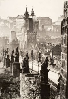 Zdenko Feyfar (Czech photographer, - Charles Bridge (Prague, Gelatin silver print The BARUCH Foundation Old Pictures, Old Photos, Fosse Commune, Budapest, Prague Czech Republic, Europe Photos, Foto Art, Architecture Old, Bohemia