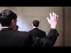 «Τα Ωραία Χέρια Μας» μέσα από τα μάτια του Άρη Σερβετάλη - http://ipop.gr/themata/vgainw/ta-orea-cheria-mas-mesa-apo-ta-matia-tou-ari-servetali/