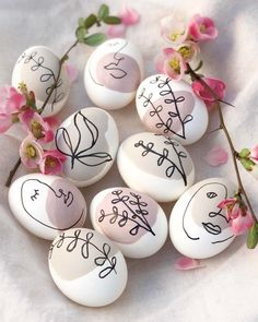 Easter Egg Designs, Egg Decorating, Easter Crafts, Happy Easter, Easter Eggs, Easter Bunny, Diy And Crafts, Holiday, Last Minute