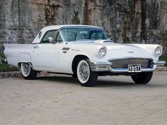 1957 Ford Thunderbird   Old Car   Amazing Classic Cars #fordclassiccars