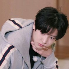 All day long go on and on and oh, 치워 네 머리 위에 물음표 (what? Exo Chanyeol, Exo Ot12, Chanbaek, Kyungsoo, Kpop Exo, Exo Music, Exo Songs, Z Cam, Battle Royale