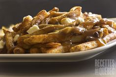 Poutine is a dish that includes french fries and cheese curds topped with a brown gravy. Originated in the Canadian province of Quebec, so today we will help you make the perfect royale poutine. Click the image for the recipe. Pastry Recipes, Sauce Recipes, Cookie Recipes, Poutine, Hot Dog Rolls, Culinary Arts, Food To Make, Food And Drink, Yummy Food