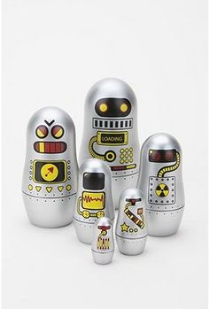 Okay, I LOVE Matryoshka dolls and I LOVE Robots!  What more could I ask for??!!  squee