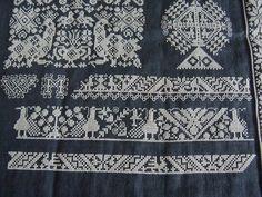 In 2009 borduurde ik de Vernaaide linten van Marken, een patroon ontworpen door Margreet Beemsterboer, uitgegeven door NEEDLEPRINT . Ik be...