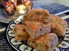 Har du lyst til å bake gode og grove rundstykker. Better Life, Lchf, Food And Drink, Baking, Breakfast, Image, Morning Coffee, Bakken, Bread