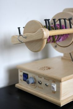 SpinOlution - The Spinning Wheel Evolution: The Firefly Electric Spinning Wheel