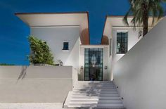 Villa Saint Tropez | Jan des Bouvrie | Family house. #sttropez #villa #architecture #familyhouse
