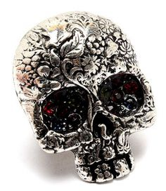Lovely detail on this skull ring!