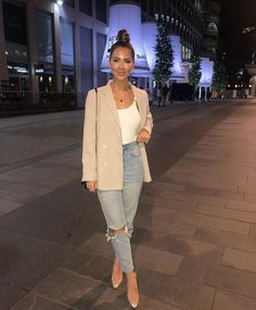 How to rock the casual chic look Cute Casual Outfits, Casual Chic, Stylish Outfits, Classy Chic, Hijab Casual, Casual Wear, Classy Going Out Outfits, Casual Date Night Outfit, Formal Outfits