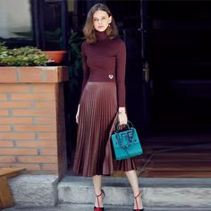 This Skirt trends ideas for winter outfits this year 3 image is part from 70 Skirt Trends Ideas for Winter Outfits This Year gallery and article, click read it bellow to see high resolutions quality image and another awesome image ideas. Burgundy Skirt Outfit, Pleated Skirt Outfit, Dress Skirt, Pleated Skirts, Green Skirt Outfits, Green Pleated Skirt, Midi Skirt, Purple Skirt, Dress Shoes