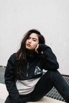 Pia Kristine Cruz Hypebeast Women, 90s Fashion Grunge, Curvy Outfits, Urban Fashion, Streetwear Fashion, Female Models, Adidas Jacket, Fashion Photography, Street Wear