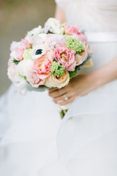 Do you know one of my favorite things to do at weddings? Keep my eyes onthe groom ashis beautiful bride walks down that aisle. Everyone else is watching the lovely lady but if you take a peek back, the expression