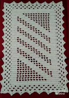 Simples e lindo 💚😍 crochenistasdobrasil crochet crochê croche instacrocheting lovecroche lovecrochet handmade decoracao… Crochet Quilt, Crochet Home, Crochet Doilies, Crochet Baby, Free Crochet, Knit Crochet, Crochet Motif Patterns, Crochet Stitches, Crochet Classes