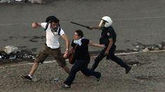 Das Erste.de/Weltspiegel/ Türkei: Abbruchunternehmung Demokratie/ http://www.daserste.de/information/politik-weltgeschehen/weltspiegel/sendung/swr/2013/tuerkei-demokratie-abbruch-100.html
