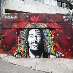 Marcelo Ment @marceloment Vidigal, junto com @tarm1 , foto de @madeira_photo ... Nossa homenagem aos 70 anos de Bob Marley hoje,máximo respeito!!! Lion Order! Big Up and Respect to the King!!! #MARLEY70 #share1love #bobmarley #lionorder #kingofreggae #lion #Graffiti #morrodovidigal #vidigal #tarm #mentone #marceloment #streetartrio #instagrafite #onelove 2/6/15