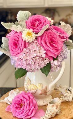 Flower Arrangements Delivery | Wholesale Flowers