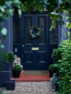 Super stiffkey blue front door country style ideasSuper stiffkey blue front door country style Ideas style doorTraditional Front Door With Stained Glass and Ironmongery Traditional Front Door With Stained Glass and Brass Front Door Porch, Front Door Entrance, House Front Door, Glass Front Door, Front Door Decor, Country Front Door, Front Door Design, Front Door Colors, Victorian Front Doors