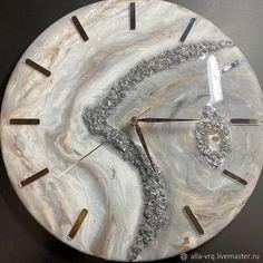 Resin Wall Art, Epoxy Resin Art, Diy Resin Art, Diy Resin Crafts, Paper Crafts, Pillar Candle Holders, Pillar Candles, Diy Clock, Clock Wall