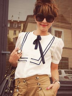 <3 the sailor bow & pants with oversized sunglasses!
