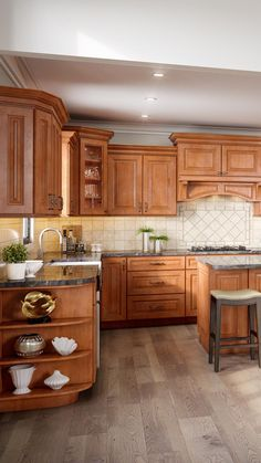 Traditional Kitchen Cabinets, Kitchen Cabinets For Sale, Maple Kitchen Cabinets, Kitchen Cabinet Remodel, Kitchen Cabinet Styles, Dark Cabinets, Kitchen Wood, New Kitchen Designs, Modern Kitchen Design