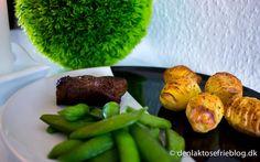 Tykstegsbøf med ovnbagte kartofler og slikærter Se opskriften her: http://denlaktosefrieblog.dk/tykstegsboef-med-ovnbagte-kartofler-og-slikaerter/