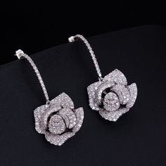 Do you like this flower earring? a special design, also have other color.