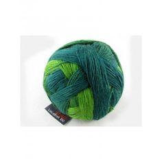 Lace Ball 100 von Schoppel Wolle Zusammensetzung: 100% Schurwolle Gewicht: 100g Lauflänge: 800m Nadelstärke: 4-5 Maschenprobe: 10x10cm 28M, 28R Verbrauch: 2