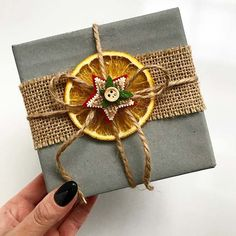 21 Creative Gift Wrapping Ideas for Christmas Festive Orange Gift Wrap Idea Christmas Gift Wrapping, Perfect Christmas Gifts, Homemade Christmas, Xmas Gifts, Cute Gifts, Diy Gifts, Christmas Crafts, Handmade Gifts, Awesome Gifts