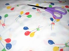 Vintage-Light-Weight-Flannel-Like-Fabric-Balloon-Print-44-034-x-BTY