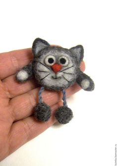 Cat Ornament, Tortoiseshell Cat, Tortie Cat Ornament, Felt Cat Ornament, Cat Lov… - My CMS Easy Felt Crafts, Cat Crafts, Needle Felted Cat, Needle Felted Animals, Felt Animals, Needle Felting Tutorials, Felt Cat, Felt Brooch, Felt Fabric