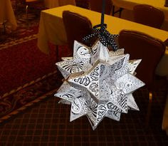Zentangle ornament.  I love the use of 3D. The blog is devoted to zentangles.  #ornament #zentangle #doodle #drawing