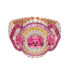Van Cleef & Arpels – Le Secret High Jewellery Collection. Coeurs Enlacés Bracelet. Pink gold, diamonds, pink and yellow sapphires, rubies, spessartite garnets, 3 cushion-cut pink spinels for a total of 31.17 carats. Detachable clips.