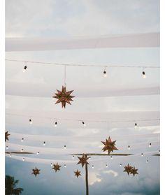 🌟✨A reception under the stars 🌟✨ Mumu Wedding, Boho Wedding, Dream Wedding, Asos Wedding, Bohemian Weddings, Wedding Set, Wedding Ideas, Glow Party, Reception Decorations